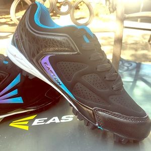 CLEATS NEW IN BOX